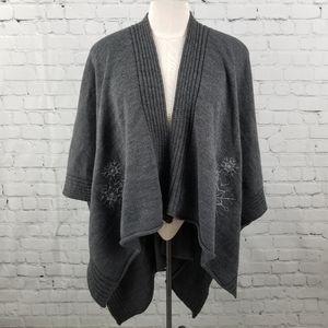 Holiday winter snowflake knit shawl poncho